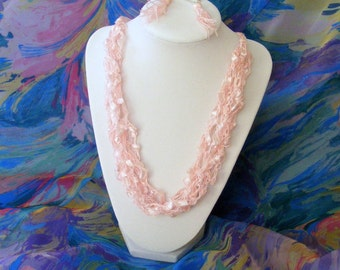 Lady in Pink Ladder Yarn Necklace