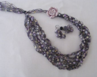 Hint of Spring with  Flower Ladder Yarn Necklace