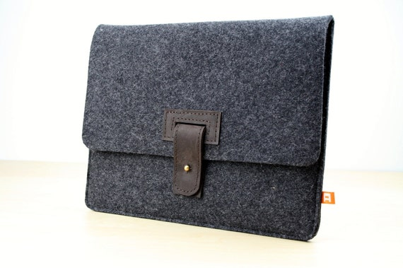 iPad2 Case / Sleeve (Arbutus) - Anthracite Wool Felt with Dark Brown Leather