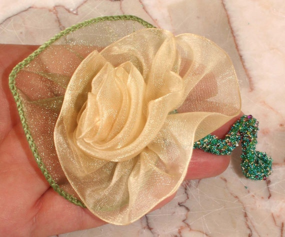 Boutonniere Prom, Wedding Boutonnieres, Party Favors, Rose Ribbon, Flower Pin, Lapel Pin