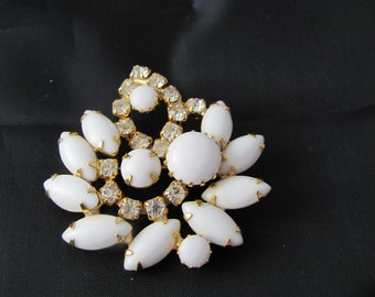 Juliana White Milk Glass and Clear Crystal Rhinestone Vintage Brooch Confirmed D&E flower springtime  gift mid century modern