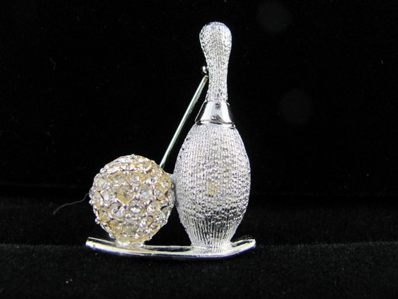 Crystal bowling ball & pin Dodds signed silver brooch Playtime Fun