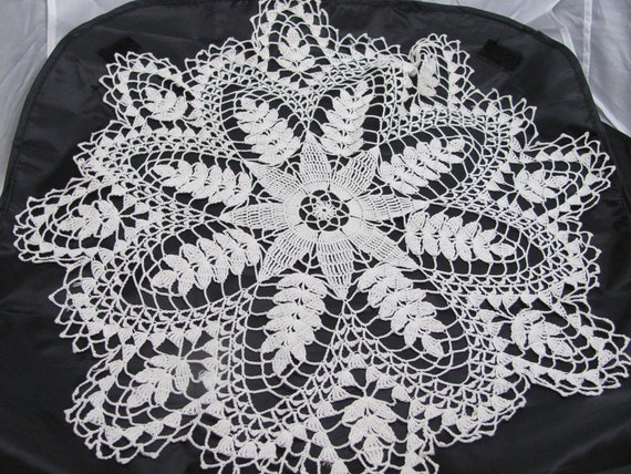 White Cotton Crochet  Doily wheat grain stalks eight pointed star delicate shabby chic French country mid century modern home decor elegance