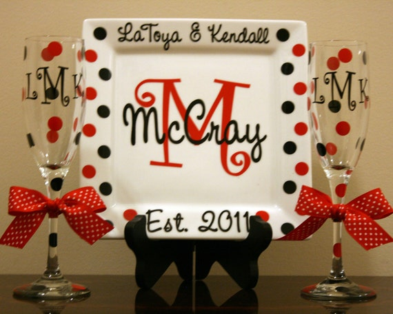 Personalized Porcelain Wedding or Anniversary Plate with 2 Champagne Flutes
