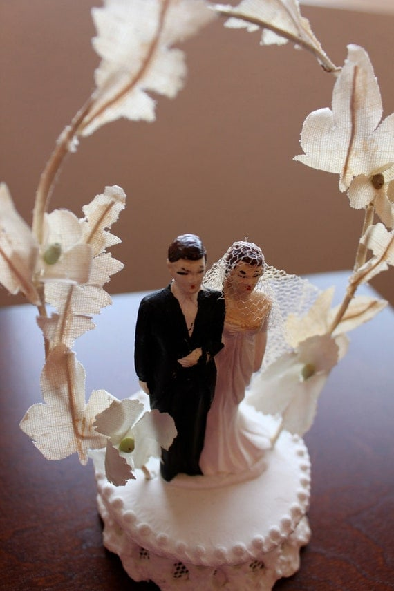 vintage wedding cake toppers bride and groom vintage wedding cake topper and groom 8307