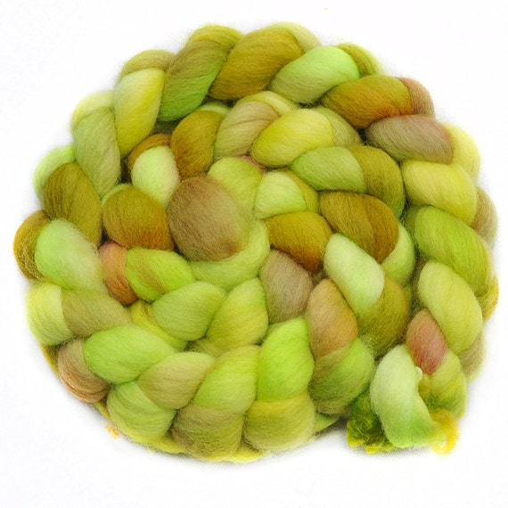 Handpainted roving - LIME RICKEY - Falkland wool spinning fiber, 4.0 ounces