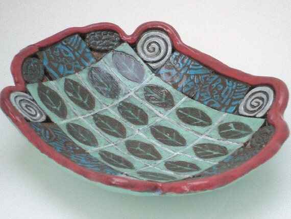 ceramic pottery leaf dish