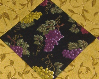 Table Runner Wine Grape Clusters Home Decor (with BONUS Coaster set)
