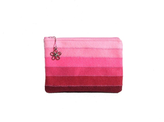 Medium zipper cosmetic pouch in lovely pink- felt pouch - small purse - cosmetic pouch