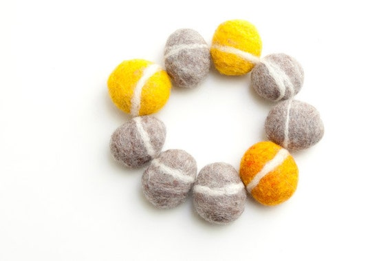 Felted Rocks Trivet, Stone Pebbles Circle Gray Yellow