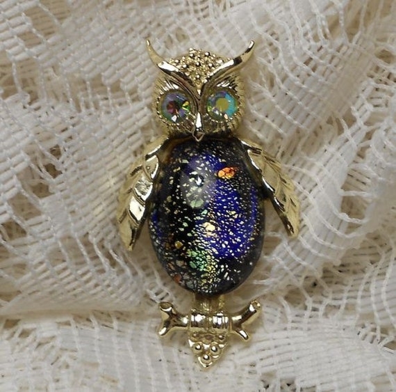 Vintage Gold Tone Multi Colored Jelly Belly Owl Brooch