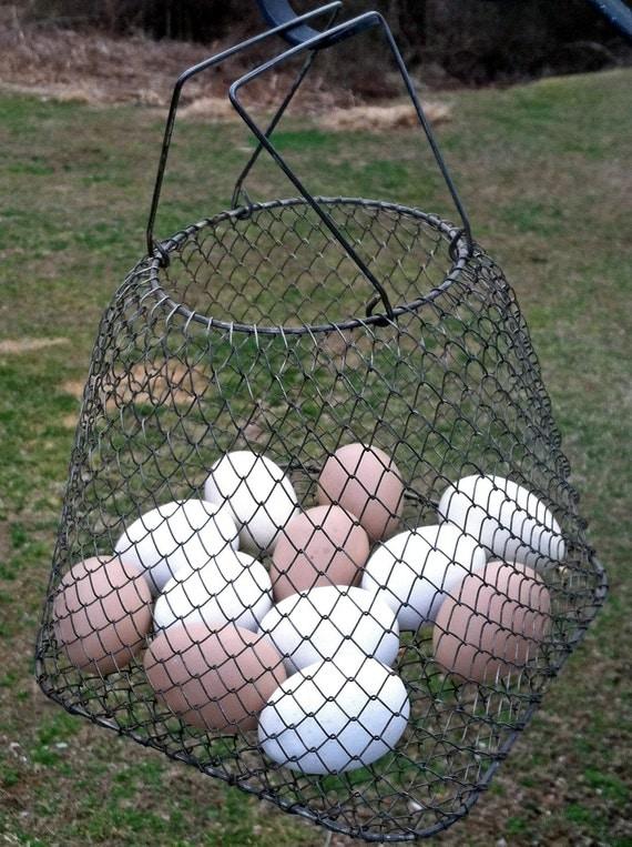 Vintage Collapsable Wire Mesh Egg / Vegetable Basket - Gathering Basket