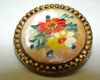 Vintage Brooch Ornamental Pin Breast pin Hand Painted Fibula Jewelry 1 inch round