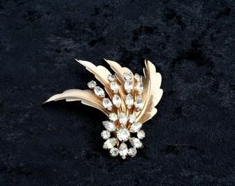 Brooch Pin Gold and Diamond Rhinestone