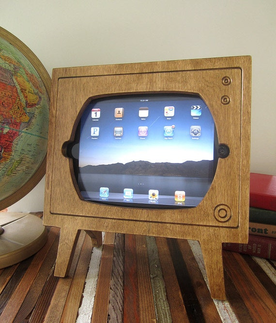 Handmade Natural Stained Wood Retro TV Ipad Dock