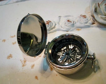 Working Compass Charm Pendant Silvertone, Silver Compass, Silver Lidded Compass, Compass with Lid, Compass Keychain, Travel Pendant Gift