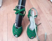 RESERVED... RARE 1940s 40s Green suede pin up BOMBSHELL platform shoes pumps size eu 37 36.5 usa 6.5 or 6 uk 4.5