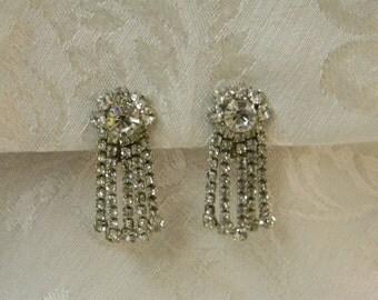 Vintage Weiss Rhinestone Chandelier Clip On Earrings