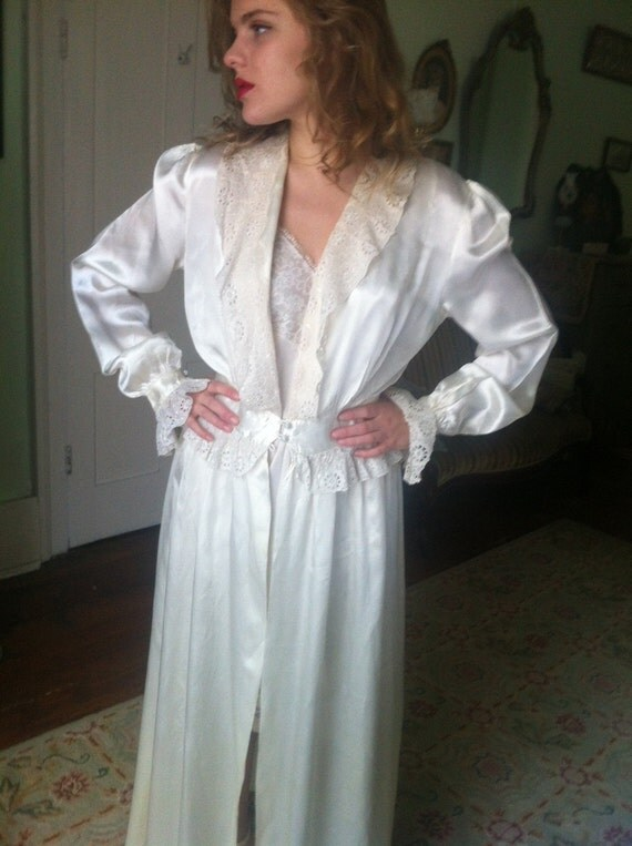 SALE 1930s Thirties White Rayon SATIN PEIGNOIR Dressing Gown Embroidered