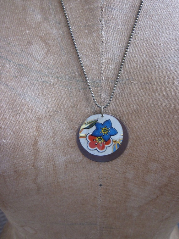 """Tin Jewelry Necklace """"Free Floating"""" Tin for the Ten Year Anniversary"""