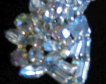 Weise Light Blue Brooch