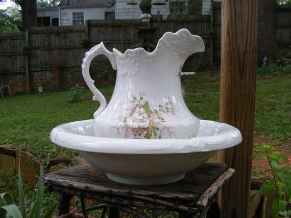 Beautiful English Rose Washbasin Set with pitcher and bowl