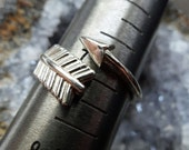 Hunger Games - Solid Sterling silver arrow ring -  May the odds be ever in your favor - All sizes - by Twilight Eyes Studio