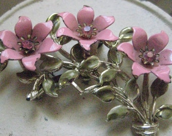 2 pcs Cheap vintage jewelry: Coro Pink Flower Pin & Clip ons
