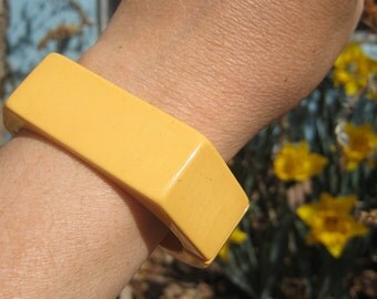 Bakelite Cuff Bracelet Cream Corn Yellow Hinge