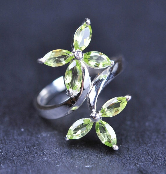 Peridot ring, sterling silver ring, gemstone ring, august birthstone, marquise shape, green stone