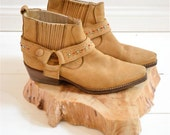 Very unique Vintage 70's NAVAJO light brown D Ring Motor cycle biker shoes hippie Boots Size 37 - 6 / 6.5