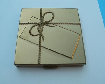 Vintage Volupte Goldtone Metal Present Compact - Collectible  Compact