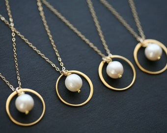 Set of 6,Bridesmaid necklace,Gold Circle Pearl,Circle Necklace,Wire wrapped pearl,Eternity,Friendship,Wedding jewelry,Bridesmaid gifts