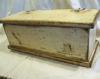 Paducah Box (Primitive)