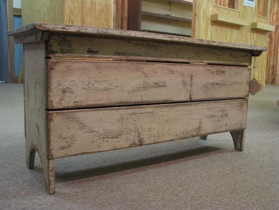 Cumberland Storage  Bench - Primitive Finish