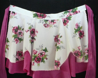 Vintage Floral Print Frilly Apron with Pink Roses