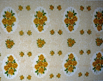 Vintage Tablecloth with Yellow Roses