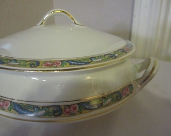 Homer Laughlin Casserole dish and lid