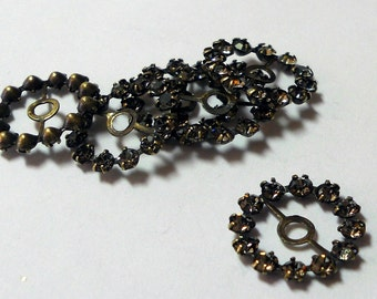 Black Diamond Swarovski Circle w/bar (x6)