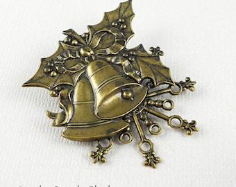 Christmas theme pin/brooch (x4)