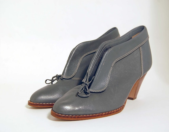 Boots Size 7 Town & Country Blue Gray Leather 1970s  Booties