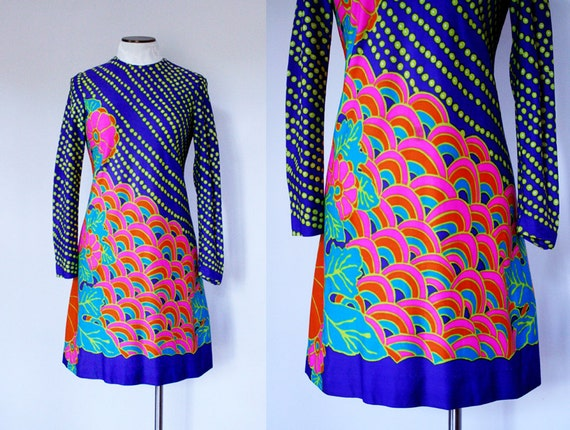 Psychedelic Mini Dress Size Small Medium 1960s 1970s Vintage