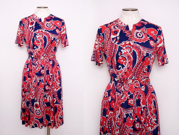 Psychedelic Print Shirtwaist Dress with Rhinestone Buttons Size Small 1960s Vintage