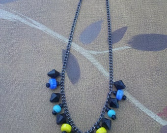 Vintage 1980's bead necklace