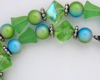 """16"""" NECKLACE and Earring Set ART GLASS   Aqua & Green IrIdescent Beads / Silver Accents"""
