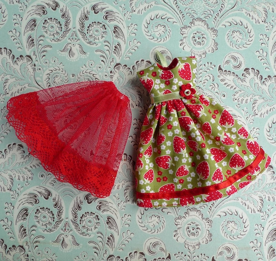 """Sweet Strawberry Red and Green Dress and Petticoat Set for 12"""" Blythe, Pullip"""