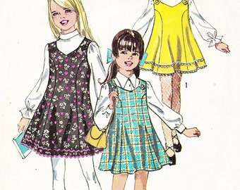 1969 Girls Flared Mod Mini Dress or Jumper Vintage Pattern Simplicity 8423, Sleeveless, Collarless, Princess Seams, Swingy, Twirly Skirt