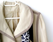 Vintage Women Raincoat, Women Beige Raincoat, Mid century fashion, mad men, autumn fashion, winter