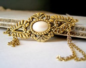 Retro Gold Brooch, Vintage gold and pearl metal Brooch