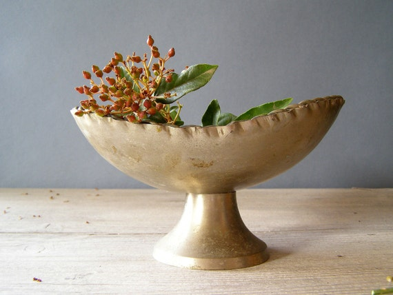 Rustic Pewter Bowl, Vintage decorative Bowl on a stand